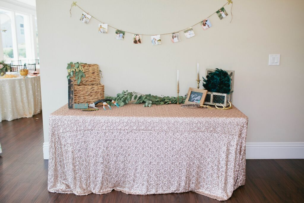 BoHo Shower - table